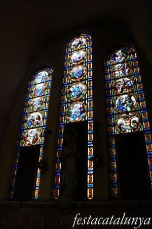 Molins de Rei - Vitralls de l'església de Sant Miquel Arcàngel - Vitralls Mare de Déu del Roser