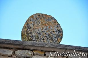 Savallà del Comtat - Esteles funeràries al cementiri de Savallà