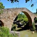Pont medieval sobre la riera de Merlès a Santa Maria de Merlès ***