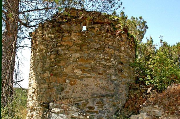 Talamanca - Tina solitària de la riera de Mura al terme de Talamanca