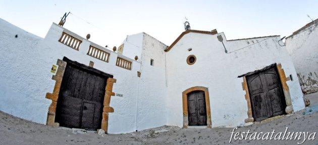 Sant Jaume dels Domenys - Cal Pau i església de Sant Antoni Abad a Torregassa
