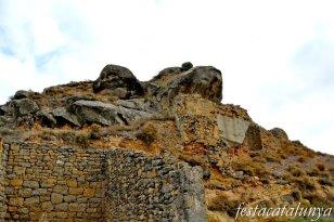 Biosca - Castell i església romànica de Santa Maria