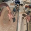 Crea en un petit taller de ceràmica d'autor a l'Empordanet