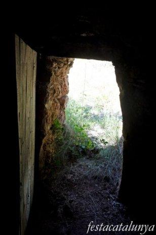 La Torre de Claramunt - Barraques de pedra seca - Barraca  i bassa de cal Cosme