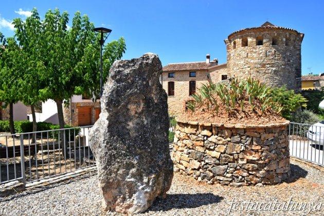 La Torre de Claramunt - Menhir de Cabrera o Pedra Dreta de Vilanova d'Espoia