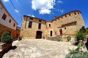 La Torre de Claramunt - Nucli històric de Vilanova d'Espoia - Cal Torrescasana