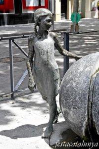 Igualada - Escultures urbanes - Nena de la Font