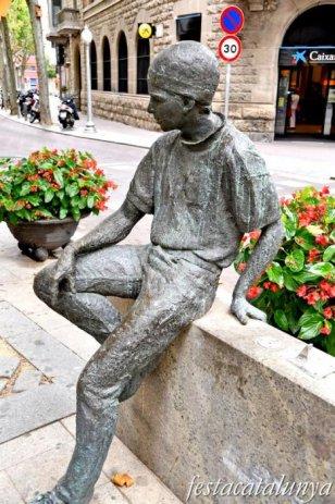 Igualada - Escultures urbanes - Noi de la Rambla