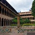 Claustre del monestir de Pedralbes ***