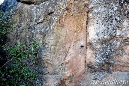Els Prats de Rei - Gravats a la roca prop de Solanelles