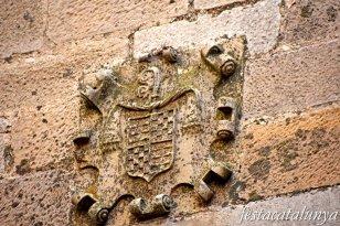 Conesa - Casa Delmera de Santes Creus (Escut de l'abat Jeroni Contijoc)