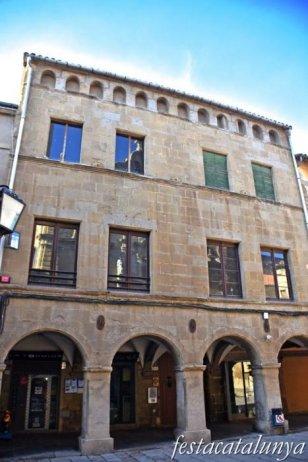 Guissona - Plaça Major - Casa Erill