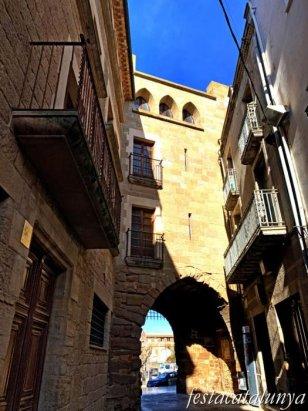 Guissona - Portal de l'Àngel i Muralla
