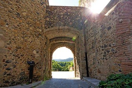 Hostalric - Portal de les Hortes (Foto: Turisme Hostalric)