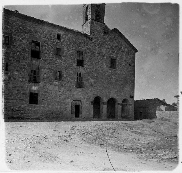 Sant Guim de Freixenet - Sant Andreu i Sant Guillem i convent (Foto: Josep Salvany any 1923.  Biblioteeca Catalunya)
